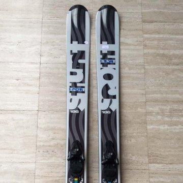 Ski Scott Stunt 186 fixations Salomon S12